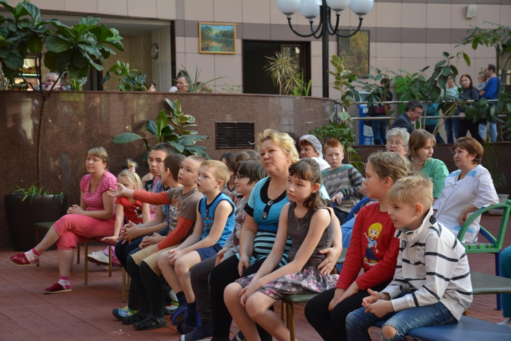 "Young patients, their parents and doctors of Science and practical center of medical care for children ""Solntsevo"" listening to Choir (28 february, 2014)"