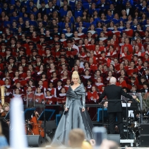 Maestro Minin conducting the Large choir, soloist - Valeriya